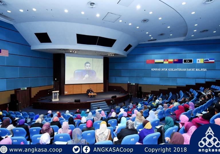 Ustaz Don Talks At ANGKASA Auditorium