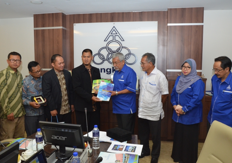 Visit from Pondok Pesantren Daarut Tauhid Indonesia Cooperative to ANGKASA